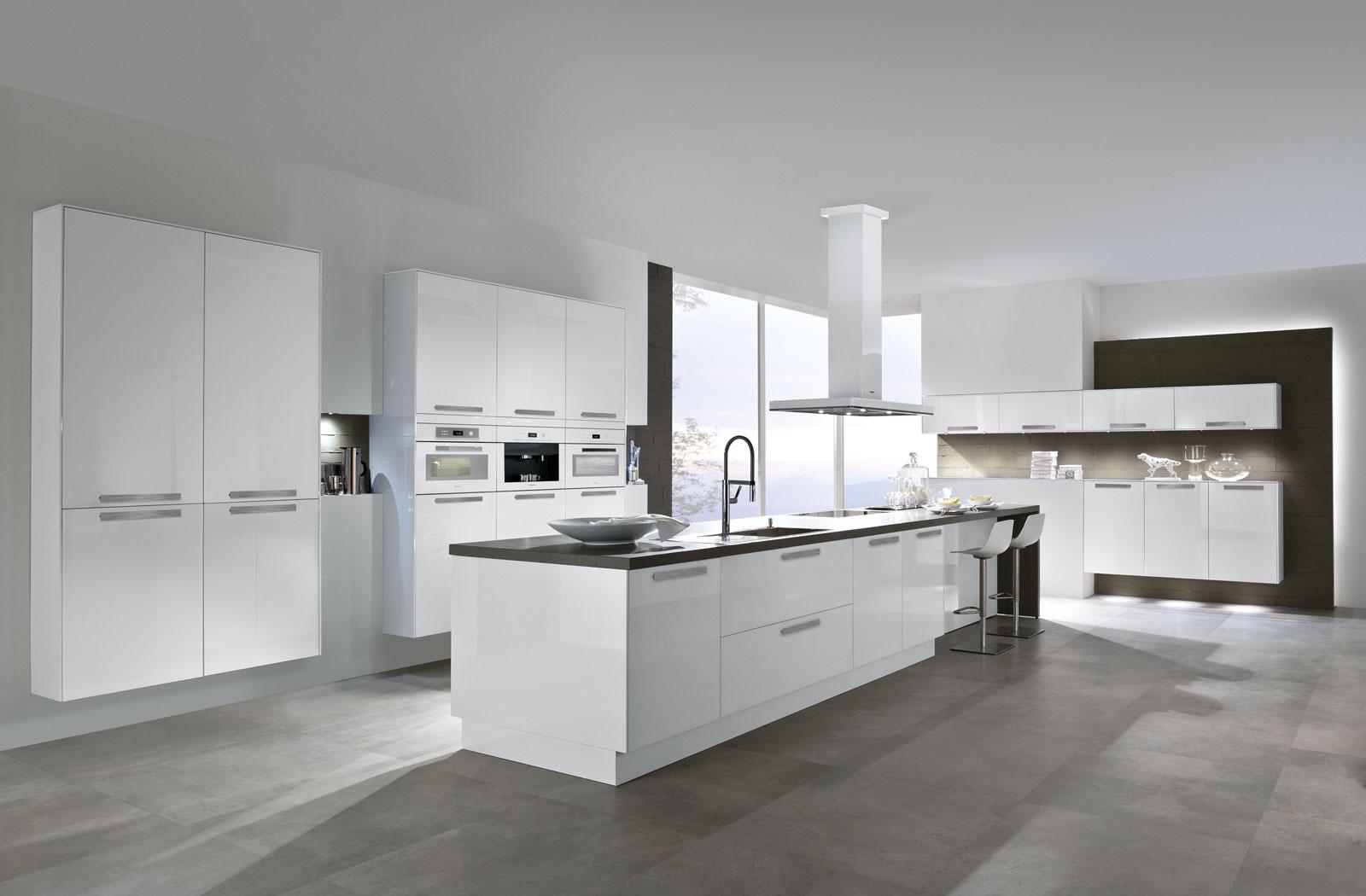 Von unterwegs aus in den Kühlschrank sehen - netzwerkfähige Küchen ...
